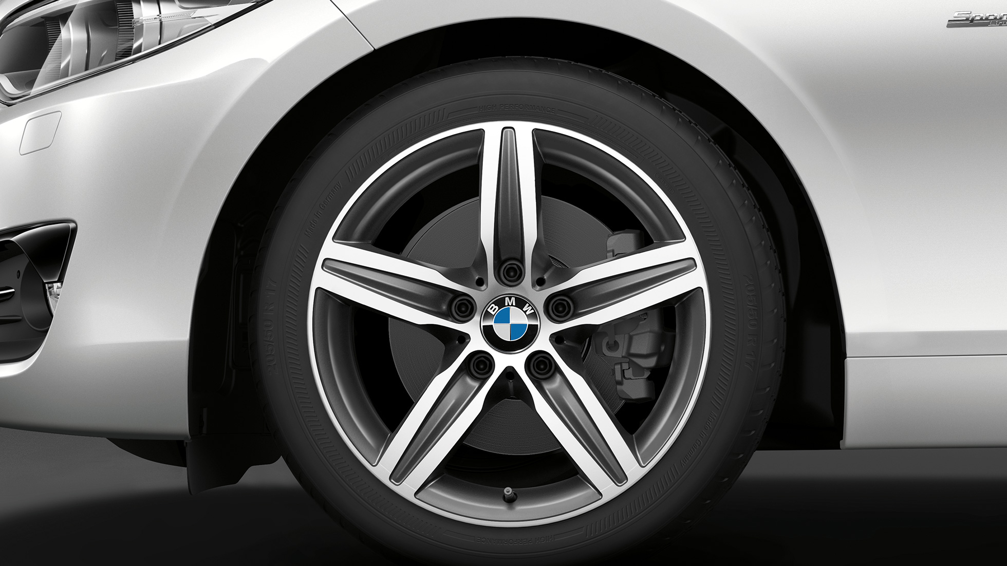 BMW 2 Series Convertible, Model Sport Line wheels