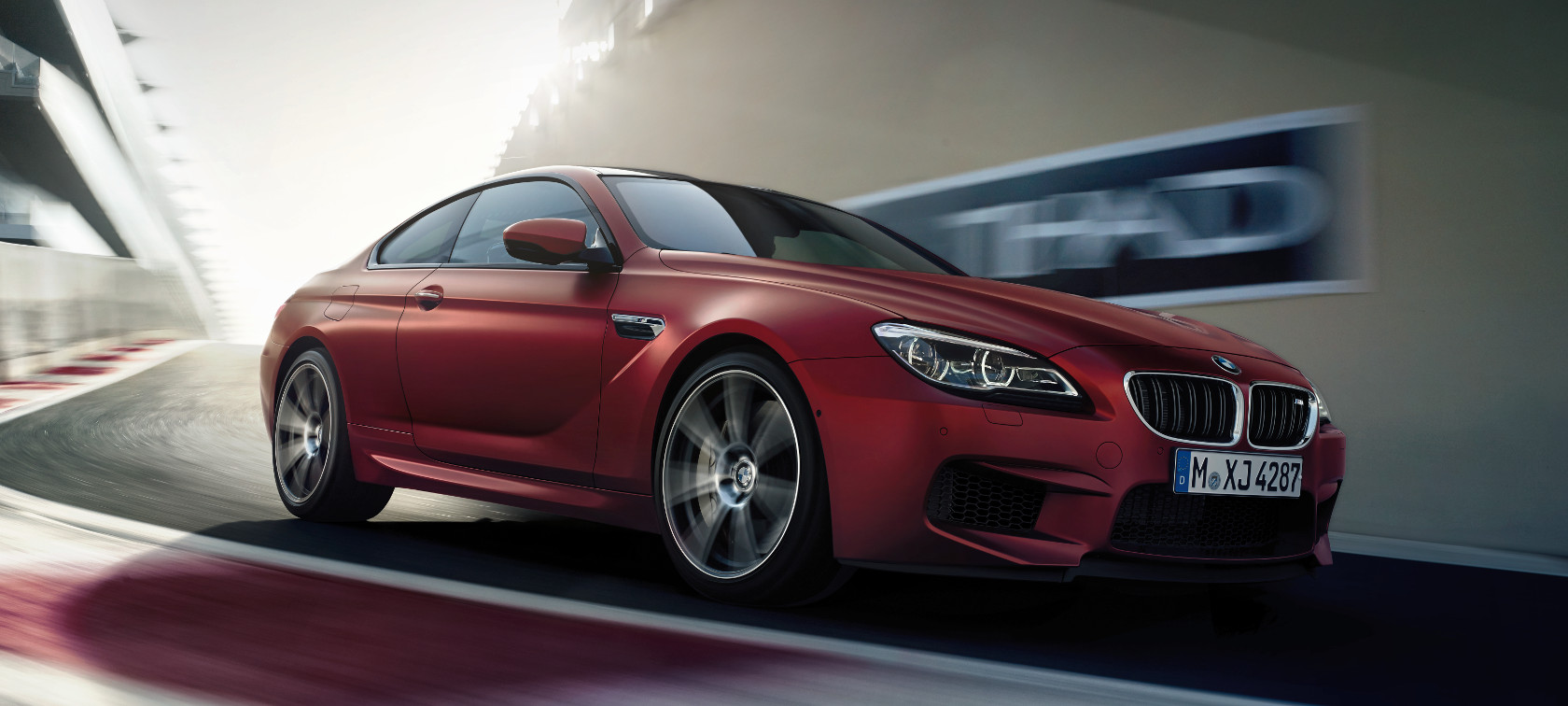 Driving Dynamics and Efficiency in the BMW M6 Coupé